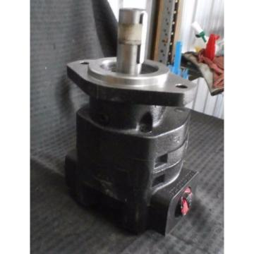 NEW PARKER COMMERCIAL HYDRAULIC MOTOR , #323-9210-205