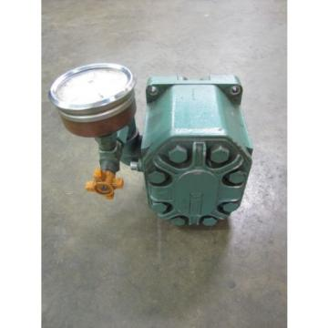 "SUNSTRAND TUROLLA TA26.5D HYDRAULIC PUMP 1"" FLANGE IN/OUT .765"" SHAFT DIA"