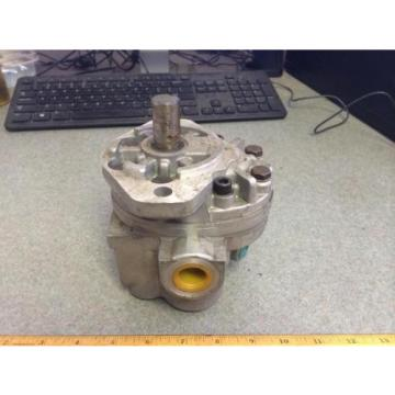 "Parker Hannifin H20A1A1AA280-B Hydraulic Gear Pump 1 1/4"" In / 7/8"" Out"